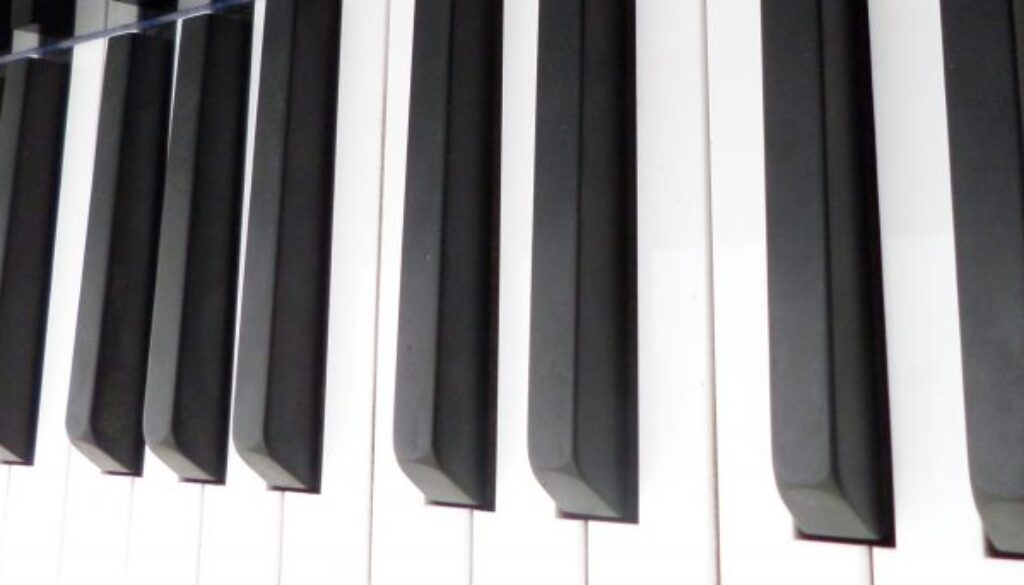 cropped-Piano-Keyboard-1.jpg