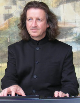 Eugene Portman can be hired as a pianist in Surrey, Sussex, Kent, Essex, Hampshire, Hertfordshire, Berkshire and other areas. He can provide music for weddings, qarties & event